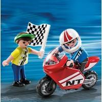 Niños con moto de carreras (4780)
